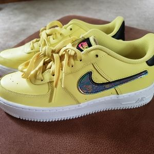 Youth Nike AF1'S size 06.5